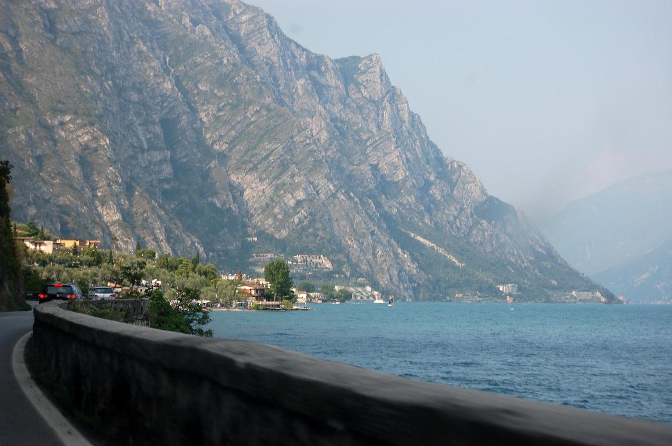 Obr. 7-1 silnice na levém břehu Lago di Garda