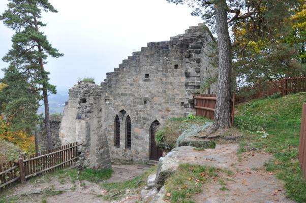 hrad_valdstejn_romanticky_palac