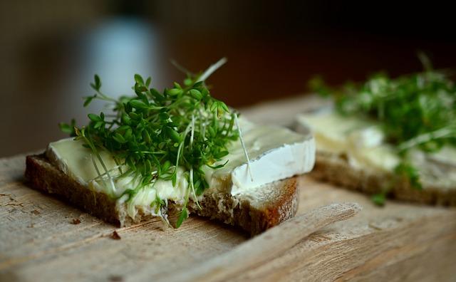 Řeřicha na chlebu výborně chutná. Foto: pixabay.com