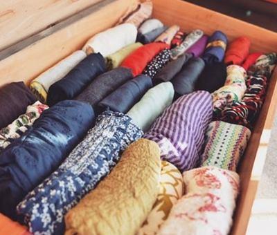 marie-kondo-skladovani-obleceni-instagram