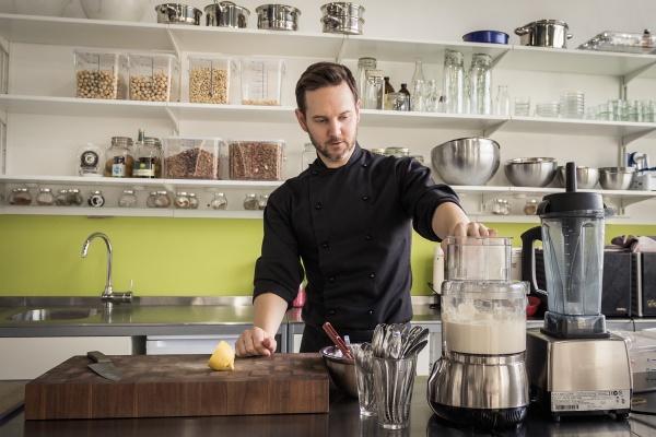Nejlepší britský raw šéfkuchař Russell James hvězdou třetího ročníku RawFestu
