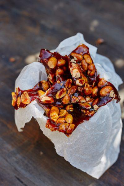 fotografie k receptu Oříšky v pivním karamelu