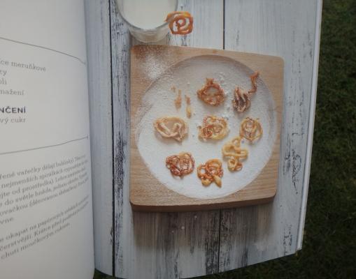 Ukázka z kuchařky Mini mánie Žížaláci