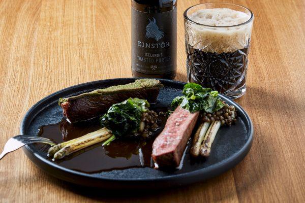 Grilovaný hovězí rump steak, čočka zPuy a špenátové listy