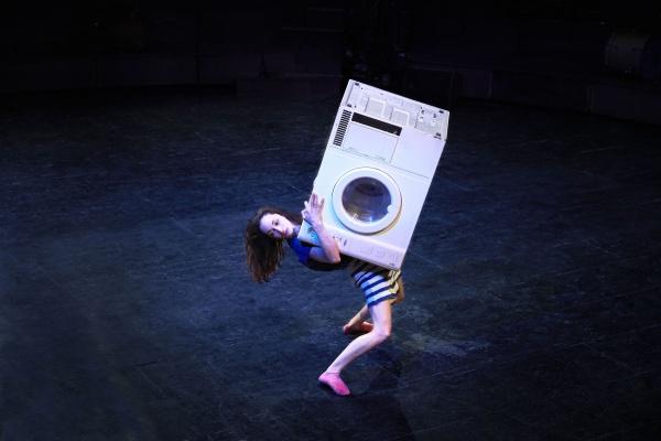 Letní Letná – Dans ton coeur - když funguje pračka jako součást akrobacie
