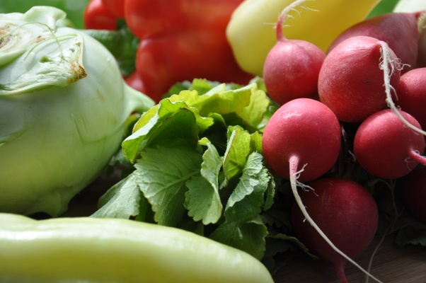 kedlubna, ředkvičky, papriky