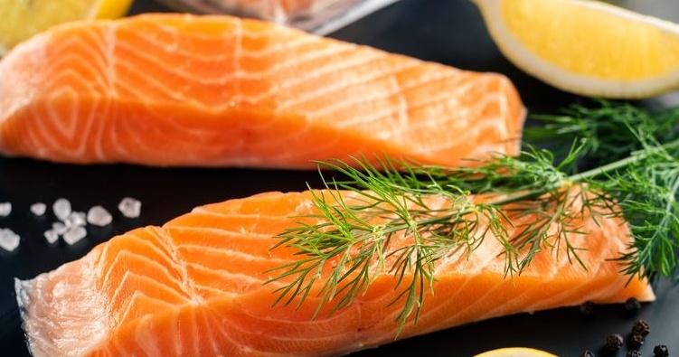 Jak je to se zázračným obsahem omega-3 kyselin u lososa?