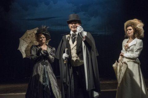 Sňatky z rozumu v Divadle na Vinohradech jsou výzvou pro herce i diváky