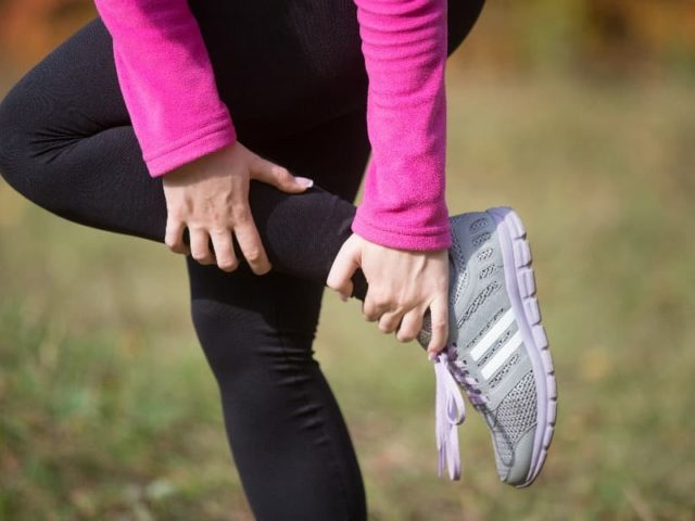 Co pomáhá na natažený sval?